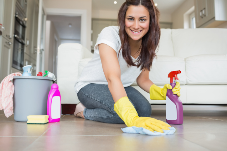 It's Almost Spring Cleaning Time! Kick Clutter to the Curb With These Home Cleaning Tips